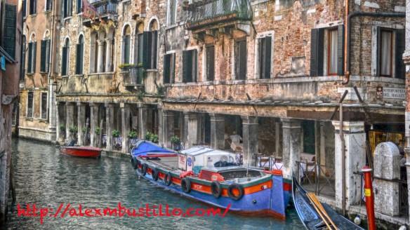Boat-Venice@