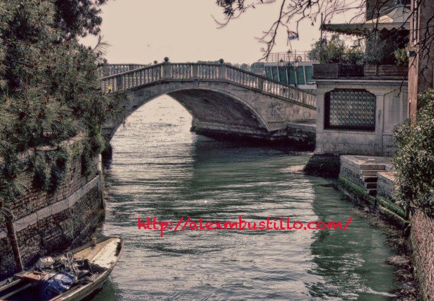 Strolling In Venice: Venice Hideaway