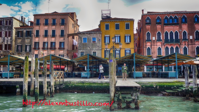 Strolling In Venice: Venice Pier