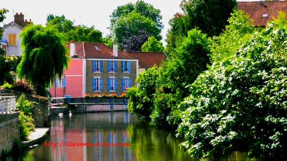 Rue Feray @ Place de Compte Hayton, Corbeil-Essonnes, France
