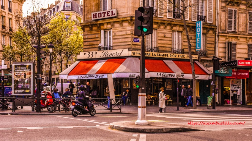 Café Grappe d'Or - Restaurant, 1 boulevard Ornano 75018 Paris