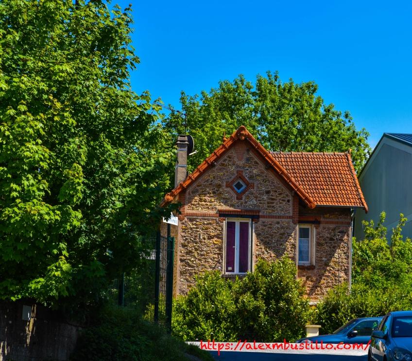 127 Boulevard John Kennedy, Route National 7, RN7 Corbeil-Essonnes, Île-de-France, FRANCE