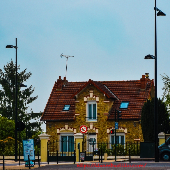 Meulière Bis, Route National 7, Boulevard John Kennedy, Corbeil Essonnes, FRANCE