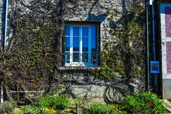 Facade Meulière, Giverny, France