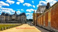Château de Vaux le Vicomte Pathway