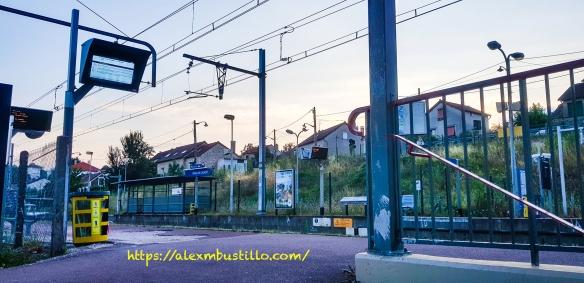 Quai, Gare de Moulin-Galant, Corbeil-Essonnes
