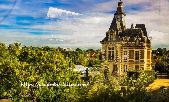 RER D Portrait: Mairie Corbeil-Essonnes FRANCE
