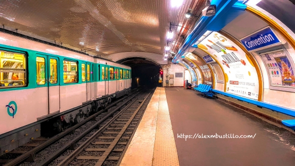 Convention, Metro Ligne 12 RATP Paris
