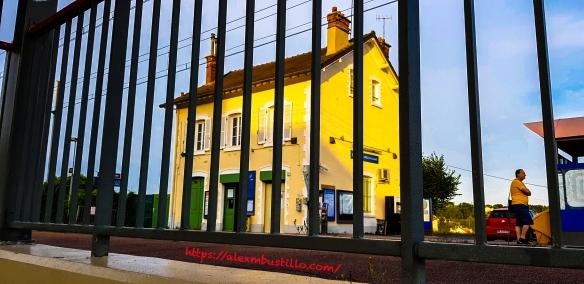 Gare de Moulin Galant Direction Paris RED-D