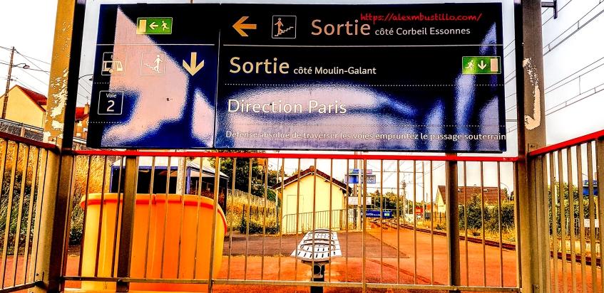 Gare de Moulin Galant RER D, Corbeil-Essonnes FRANCE