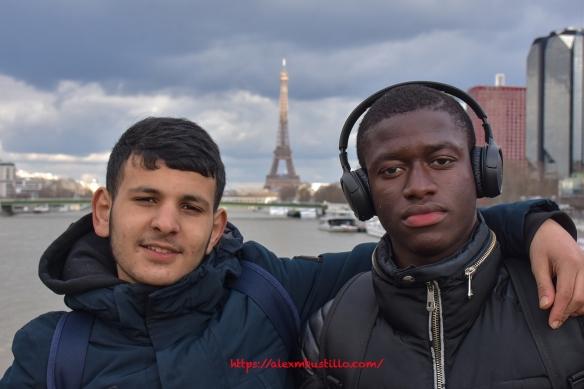 Bouz & Riccardo Listen To The Music