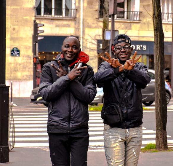 Frères. Avenue de Versailles. Paris